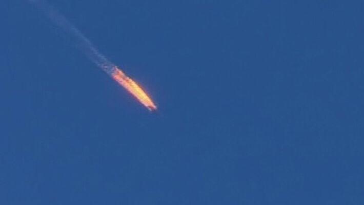Το ρωσικό αεροσκάφος φλέγεται (πηγή: ΑΡ)