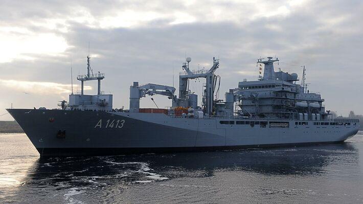 Πολεμικό πλοίο του ΝΑΤΟ στο Αιγαίο