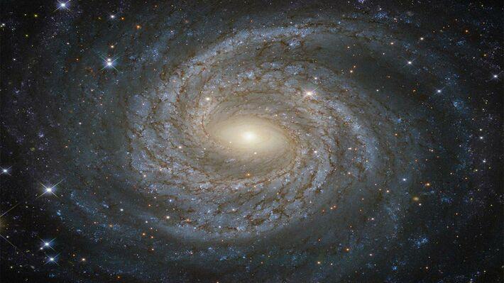 Φωτογραφία του Hubble από τον σπειροειδή γαλαξία NGC 6814 (Πηγή: ESA/Hubble & NASA)