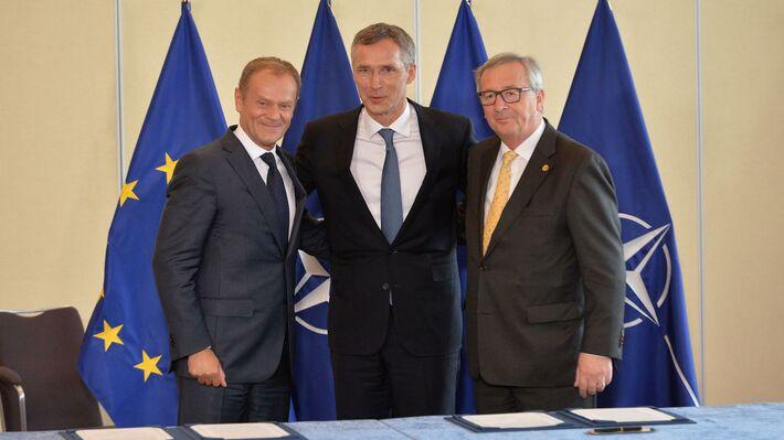 Ο γγ του ΝΑΤΟ, με τον Πρόεδρο της Ευρωπαϊκής Επιτροπής και τον Πρόεδρο της Κομισιόν