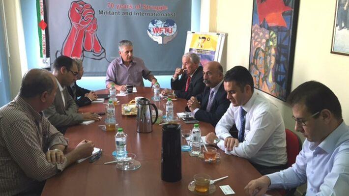 Από τη συνάντηση των τεσσάρων συνδικάτων με τον πρόεδρο της ΠΣΟ Γιώργο Μαυρίκο