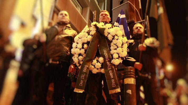 Ο Ματίας Φίσερ της γερμανικής νεοναζιστικής οργάνωσης «Τρίτος Δρόμος», στη χρυσαυγίτικη φιέστα