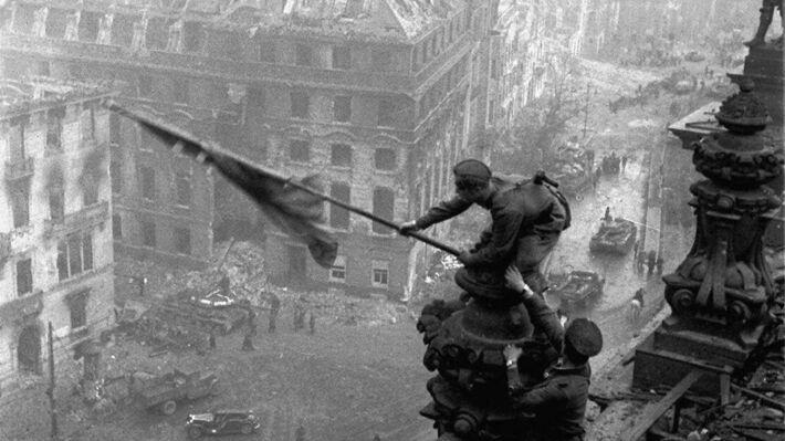 75 χρόνια από την νίκη ενάντια στον Φασισμό – ΙΚΑΡΙΩΤΙΚΑ ΝΕΑ