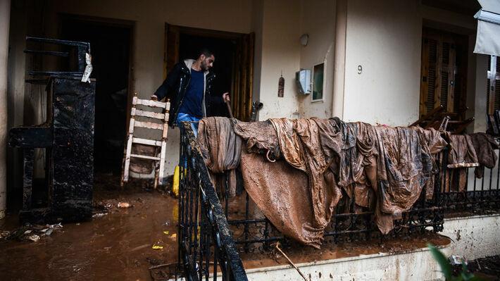 Από την καταστροφική πλημμύρα στη Μάνδρα Αττικής