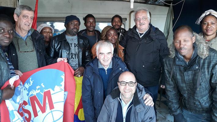 Από την επίσκεψη του Σ. Ζαριανόπουλου στο γκέτο της Φότζια
