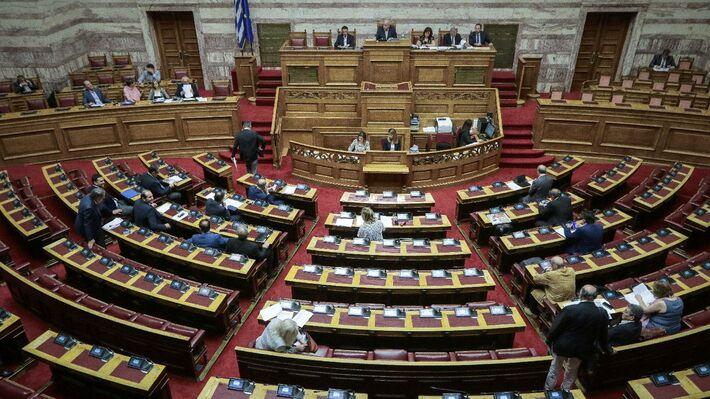 Από την συζήτηση επί της πρότασης μομφής στη Βουλή στις 16 Ιούνη