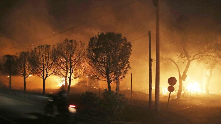 Αποτέλεσμα εικόνας για πυρκαγιά στην ανατολ. αττική
