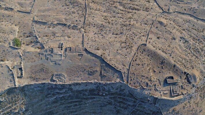 Αεροφωτογραφία των ιερών του Μεσαίου Πλατώματος (φωτ. Κώστα Ξενικάκη, 2018)
