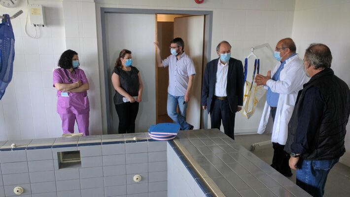 Στο νοσοκομείο Θήβας περιόδευσε κλιμάκιο του ΚΚΕ με επικεφαλής τον ...