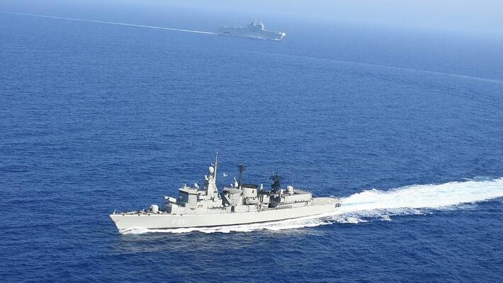Η Φρεγάτα «Λήμνος» του Πολεμικού Ναυτικού κατά την διάρκεια των ελληνογαλλικών ναυτικών ασκήσεων