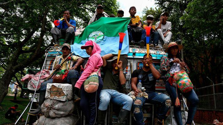 Ιθαγενείς σε διαδήλωση στην Μπογκοτά