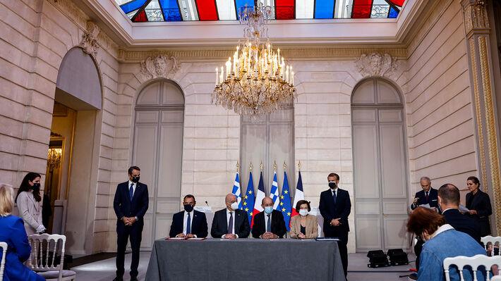 Από την υπογραφή της συμφωνίας
