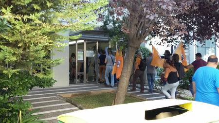 Κατάληψη γραφείων του ΕΔΣΝΑ για την επέκταση του ΧΥΤΑ Φυλής (βίντεο)